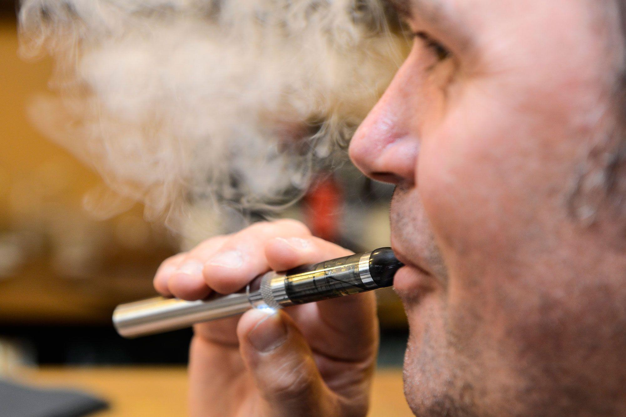 Ecig o bec : la nicotine est-elle un danger pour la santé ?